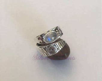 925 Sterling Silver Moonstone Ring.