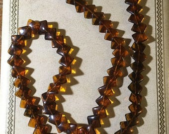 """TRIFARI Signed Rootbeer Lucite Flat Overlap Bead Necklace 28"""" Long"""