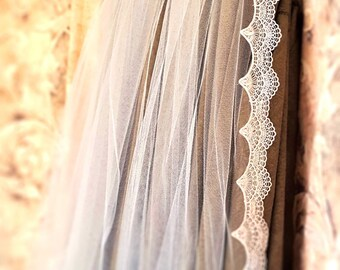 Lace Fingertip Veil / Ethereal Wedding / Blush Bridal Veils / Fingertip Bridal Veils / Soft Fingertip Wedding Veil / Crystal Fingertip Veil