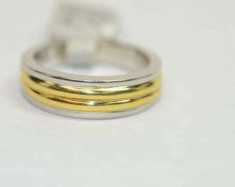 A Men's Wedding Band 18k Yellow Gold and Platinum