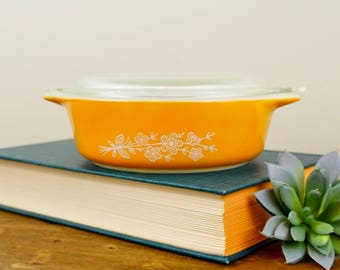 Vintage Butterfly Gold Pyrex 471-B 500 ml Casserole Dish with Lid, Excellent Condition