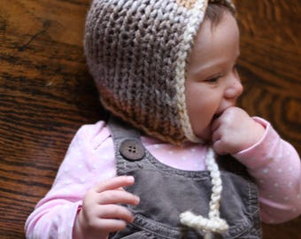 Knit Baby Bonnet / Pixie Hat / Baby Hat with Pom Pom in Silver and Gold