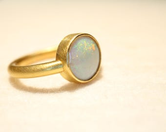 Ring Gold 22 carat with opal