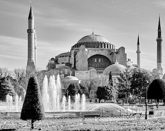 Black and white photograph of the Hagia Sophia in Sultanahmet Istanbul