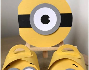 """invitations and boxes with candy for birthdays of children themed """"minions"""""""