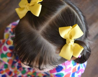 Adree bow.......small bow, hair bows, baby bows, birthday gift, grosgrain bows, tiny bows, little girl bows, 3 inch bows, bow sets, uniform,