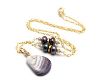Wampum Necklace Natural Quahog Mussel Clam Shell Tahitian Peacock Pearl on 14k Gold Filled fancy Chain Gifts for Her Mermid Beach Jewelry