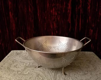 Vintage Aluminum Strainer Colander w/Star Shaped Holes