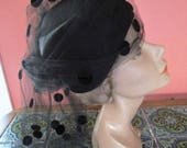 Elegant Dotted Veiling Marshall Field Vintage Pillbox Hat Cocktail Union Label 22 Black Satin