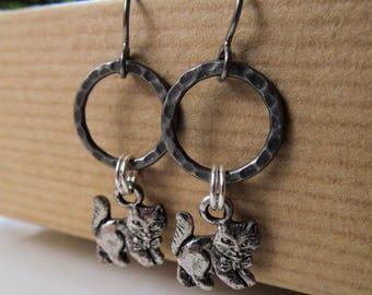 Cats - Kitty Cat Silver tone Niobium Earrings