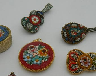 Lot of Antique venetian glass Micro Mosaic violins broochs, pendant and box - Fine Millefiori - 20th century micro-mosaic  - Grand Tour