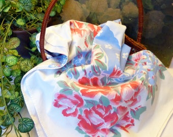 Charming Vintage Pink Roses And Floral Rectangle Tablecloth