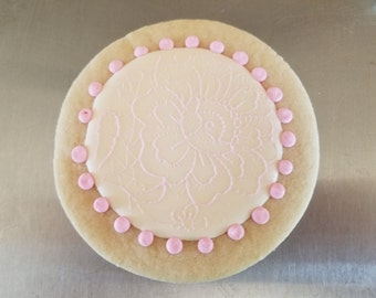 Round Lace Sugar Cookies