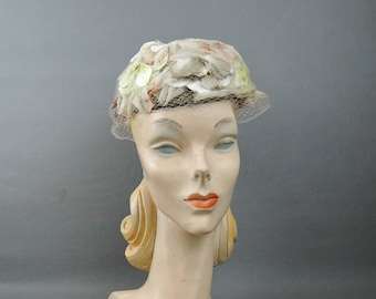 Vintage Pillbox Hat Ivory Floral 1960s, with Veil, Fits 21 inch head