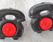 Set of 2 VINTAGE Red & Black Old Fashion Rotary Phone Snap Together Realistic Plastic BUTTONS