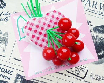 Summer Gingham! Handmade 40s 50s confetti lucite style classic red gingham sweetheart brooch by Luxulite