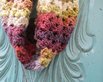 Ready to ship SALE - cowl - infinity scarf - crochet cowl - scarf - winter scarf - Spring cowl - Easter - Spring scarf