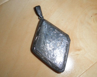 Romantic Siam Vintage Sterling Silver Locket