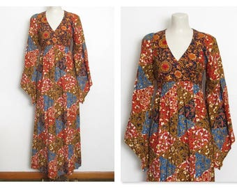 Bohemian Maxi Dress / Floral & Bird Ethnic Print w/ Empire Waist and Angel Sleeves / Vintage 70s Boho Festival Dress