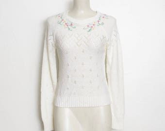 Pointelle Knit Sweater / White w/ Pastel Embroidered Flowers / Vintage 80s Pullover Sweater