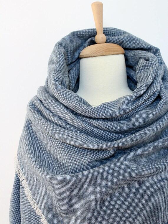 couverture de laine bleue ch le charpe laine tweed tiss. Black Bedroom Furniture Sets. Home Design Ideas