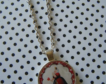 The Queen of Hearts Alice in Wonderland round silver pendant necklace