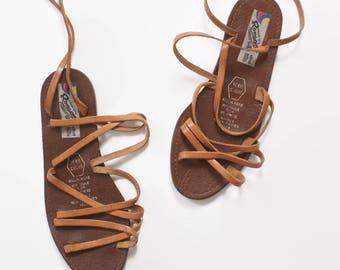 Vintage 70s SANDALS / 1970s Brown Leather Boho Lace Up Gladiator Flat Sandals 6 1/2