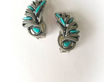 Vintage Faux Turquoise  Silver Tone Metal Earrings Clip On