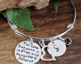 The Love between a Mother & Daughter Bracelet, Personalized Bracelet, Hand Stamped Bangle Bracelet, Mother Daughter Bracelet, Gift for Mom