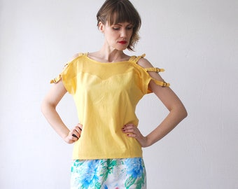 80s cold shoulder top. yellow cotton top. summer top with strap shoulders. batwing top - small to medium