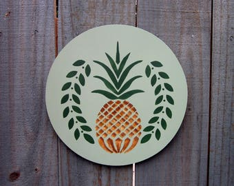 Pineapple Sign, Welcome Sign, Kitchen Wall Decor, Door Sign, Kitchen Wall Art, Green, Yellow, Round Wood Sign, Hand Painted