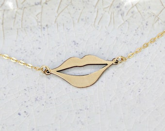Lips necklace • Beauty Necklace • Statement Necklace • Necklace for Beauty Lovers • Gift Jewelry • Statement Jewelry for Makeup