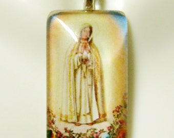Our Lady of Fatima pendant with chain - GP12-600