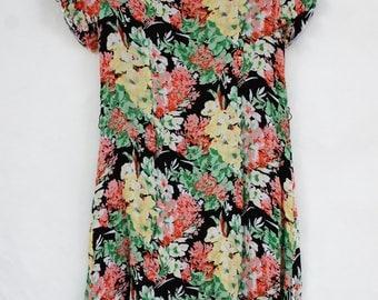 Vintage 90s Floral Print Rayon Midi Dress/Boho/Retro
