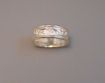 Flower Sterling Silver Ring Etched Pattern Recycled Silver Floral Vine Band