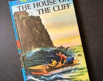 Hardy Boys Mystery Series - The House on the Cliff by Franklin W. Dixon 1970's