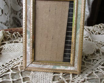 """Vtg Mid Century Art Deco Mother of Pearl Look Small Fancy Gold Easel Back Photo Picture Frame, 2.5"""" x 3.5"""""""