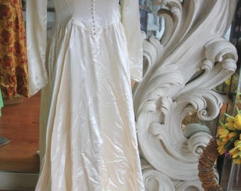 Vintage 1940s White Satin Wedding Dress with Train 35 Bust