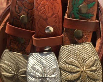Pot buckle with embossed thick leather strap