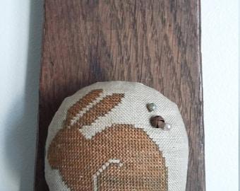 prim stitch BUNNY zinc jar lid pin cushion