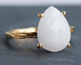 White Agate Ring Gold, White Gemstone Ring, Minimalist Ring, Stacking Ring, Gold Ring, Tear Drop Ring, Prong Set Ring, Bridesmaid Gift