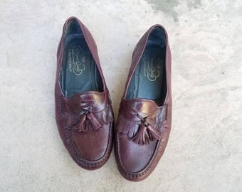 Vintage Mens 9.5 Florsheim Imperial Tassel Loafers Oxfords Italian Leather Shoes Plum Leather Fringe Loafers Brogues Classic Spring Fashion