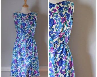 Vintage Dress / Vintage 60s Dress / 60s Sheath Dress / Silk Dress / Floral Dress / Sleeveless Dress / Blue Dress / Mad Men / Size Medium