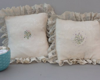 vintage Hand Made Needlework Embroidery Lace Pillows English Cottage Damask pillow set