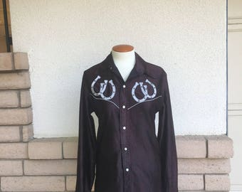 Vintage 70s Western Shirt Horse Shoe Applique Wet Look Pearl Snap Cowgirl Shirt S-M