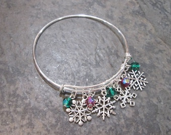 Snowflakes adjustable bangle bracelet with silver snowflake charms and red and green aurora borealis beads Great Gift for her! FREE SHIPPING
