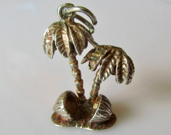 Vintage Silver Desert Island Palm Trees Charm