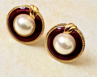 Large Vintage Faux Pearl Burgundy  Enamel Framed Domed Gold Tone Clip On Earrings Millgrain Edged 80s Clips Dynasty Falcon Crest Fashion
