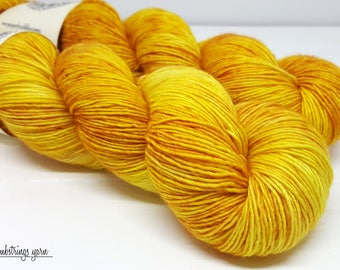 Sadie Sock HT 100g, Hand dyed yarn, Superwash merino wool, Single ply, 400 yds: Honeycomb.
