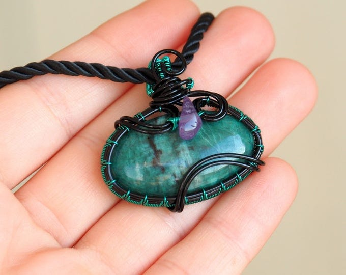 Buddstone wire wrapped pendant